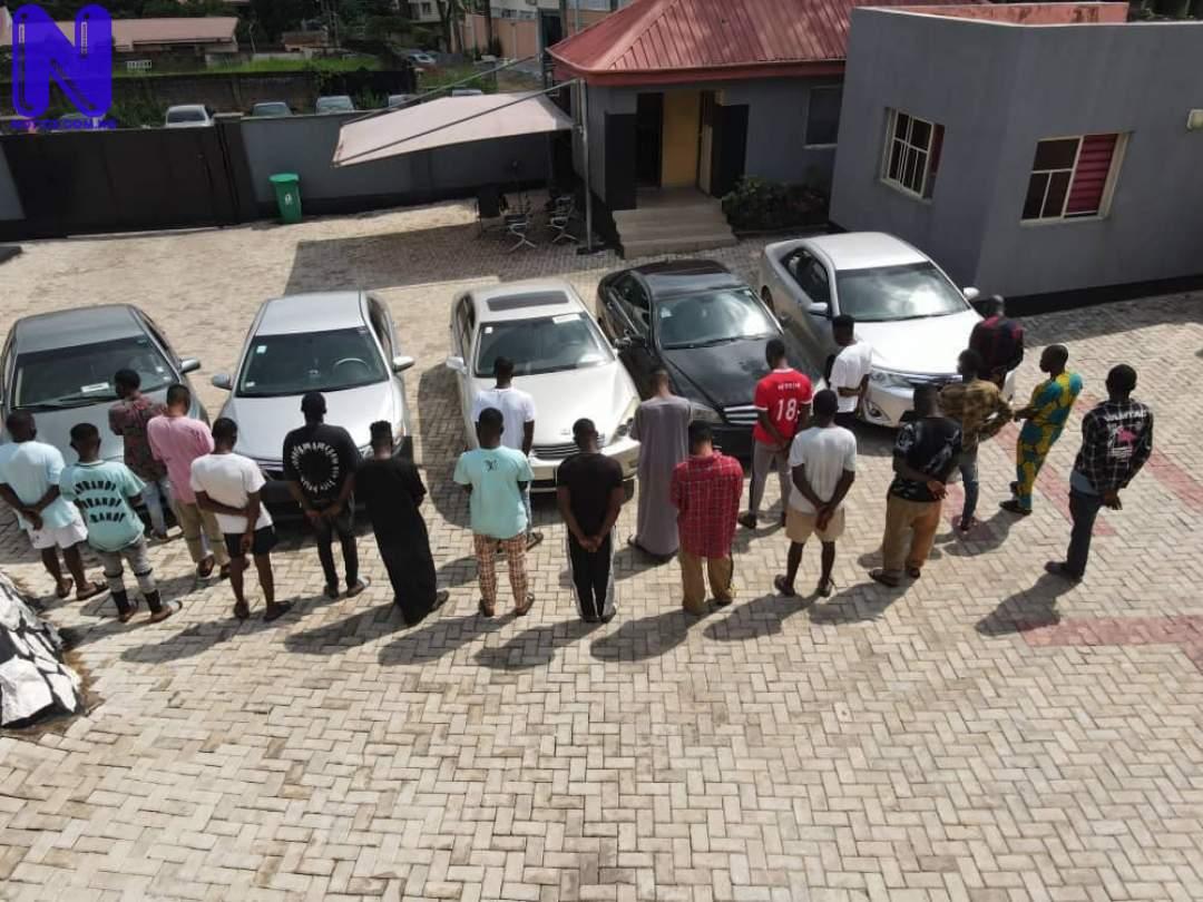 EFCC bursts internet fraudsters hideout, arrests 22 in Oyo 6166C4B824D19166518