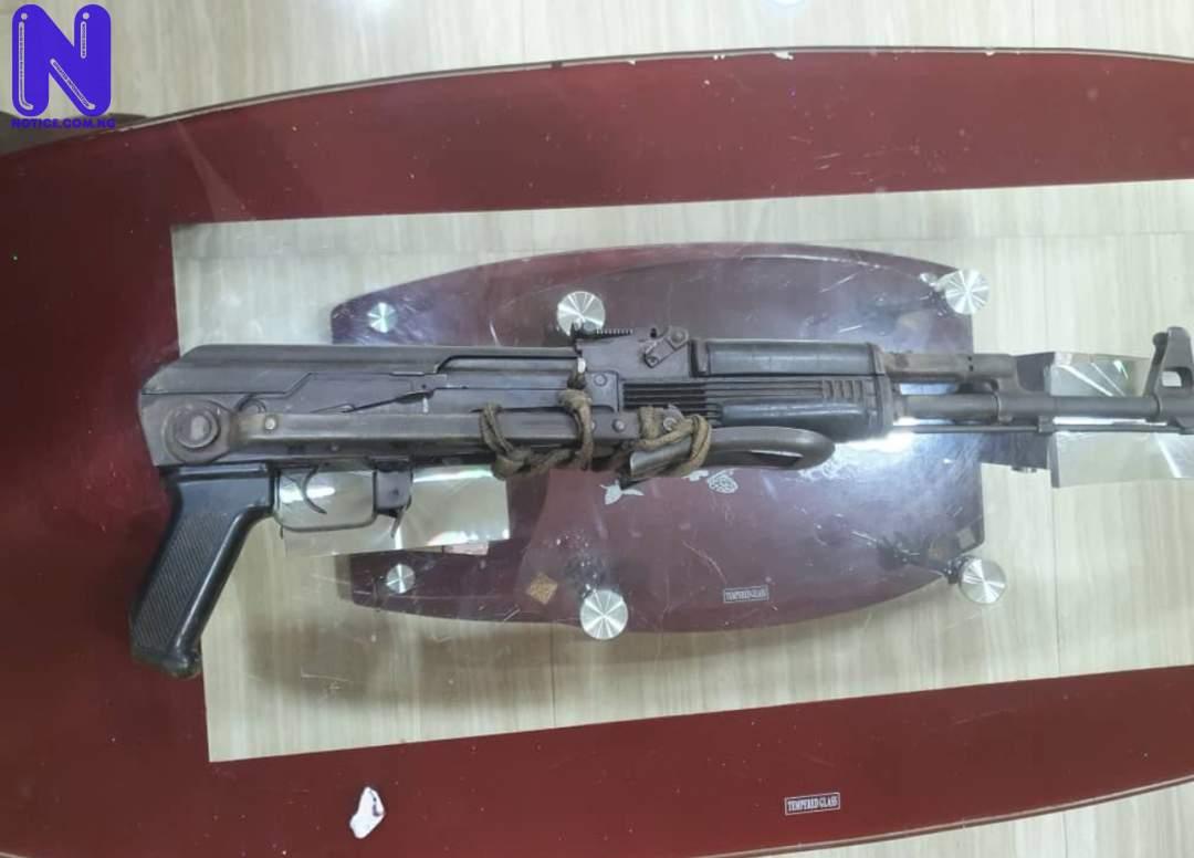 Police recover AK-47 from suspected gunrunner terrorising Oyo/Ogun border B1QOBKNH