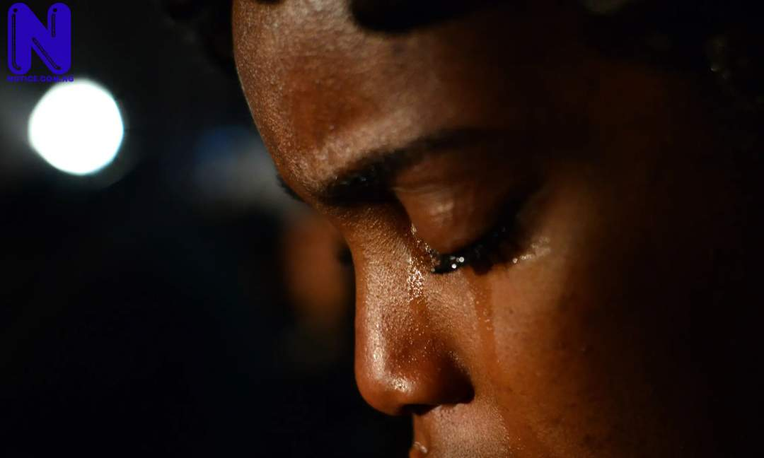 BLACK-WOMAN-CRYING