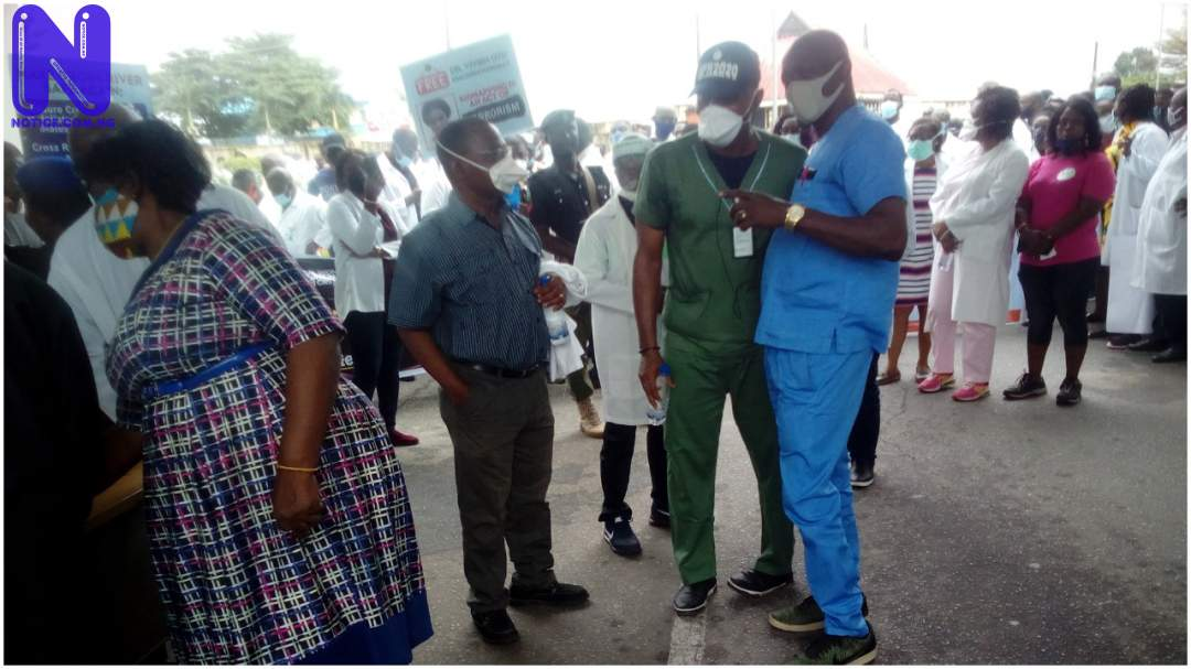 UCH resident doctors embark on indefinite strike DOCTORS