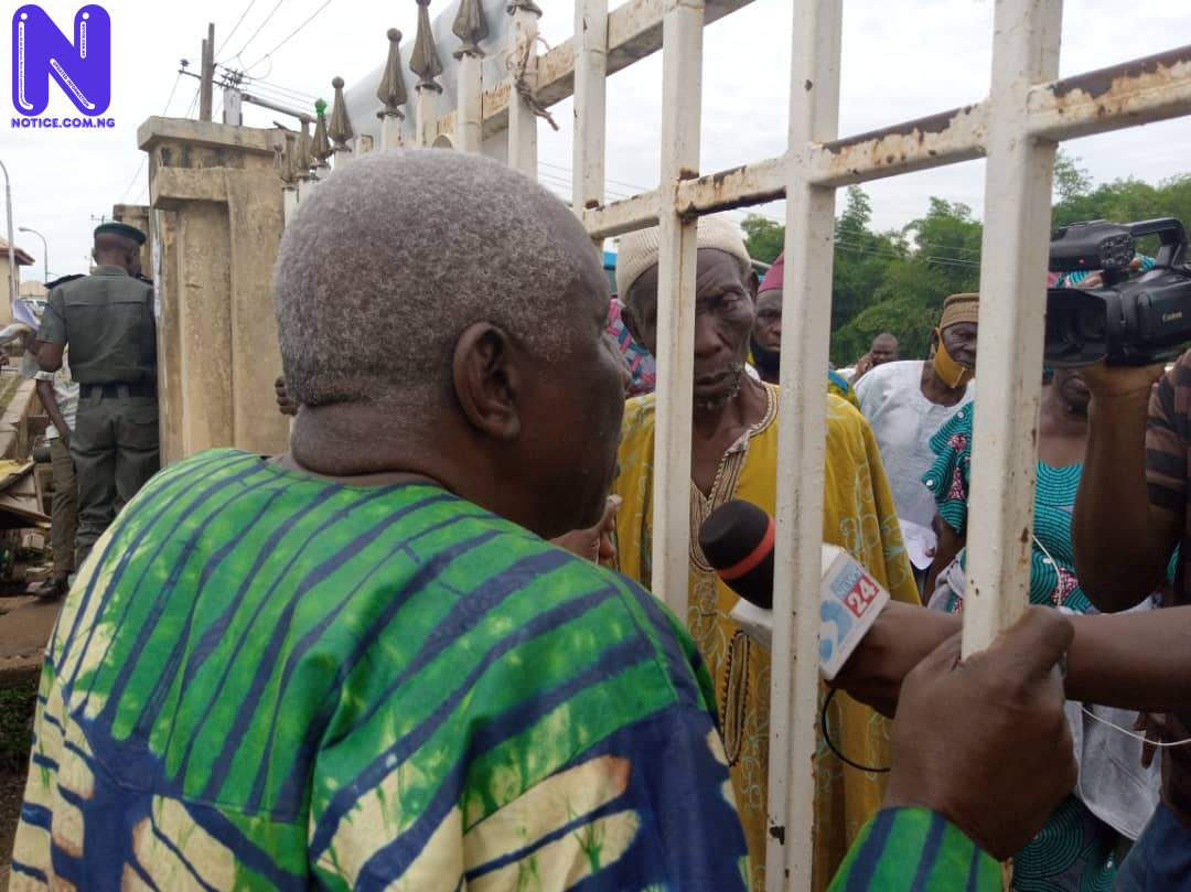 Drama as Ogun Government shuts out protesting pensioners (VIDEO) IMG-20210610-WA0014
