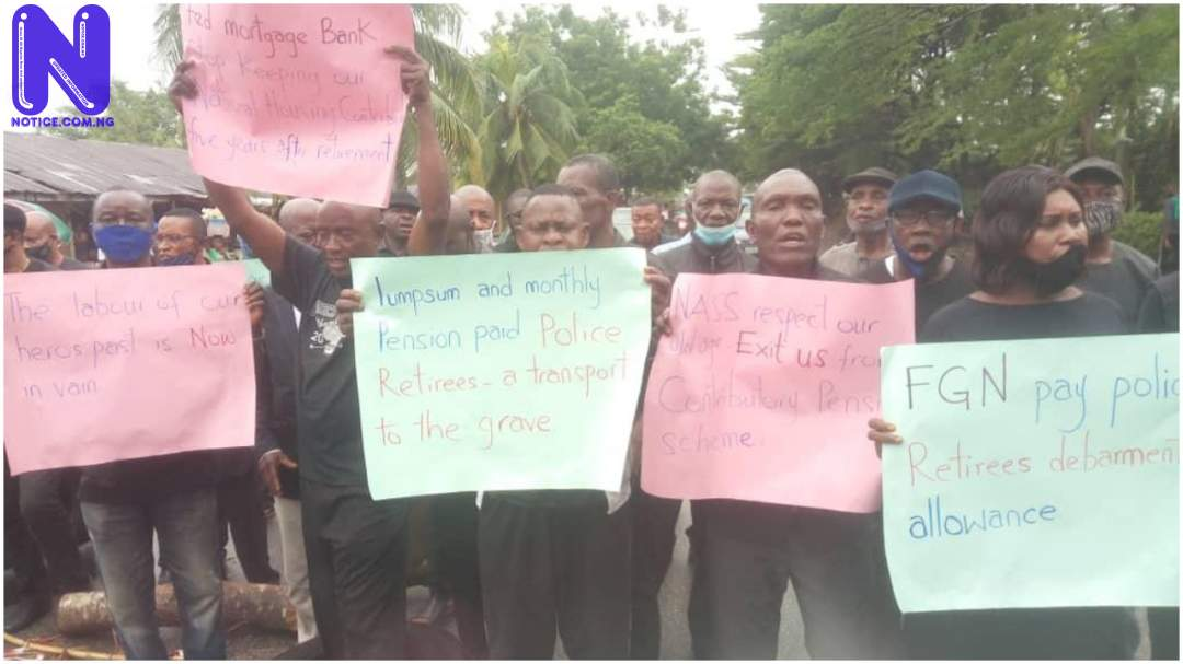 Retired Police officers stage peaceful protest over pensions ON5JZ6HJ