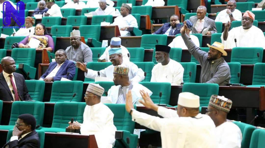 Reps move to remove police from contributory pension, as retired officers storm NASS REPS104740