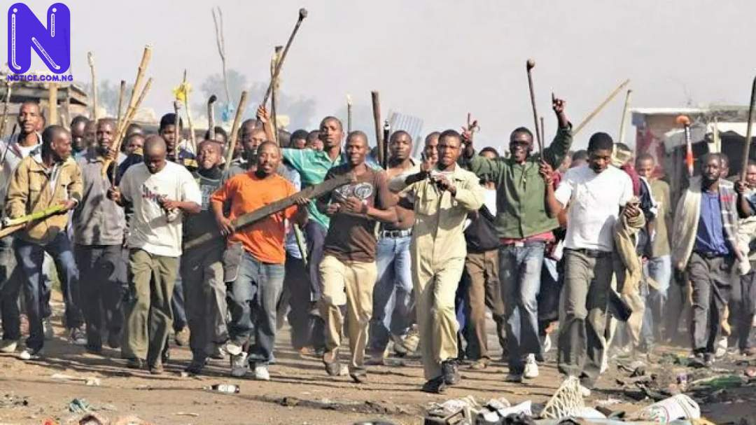 Angry mob set 3 suspected thieves on fire in Lagos RIVAL-CULT-CLASH-1280X720
