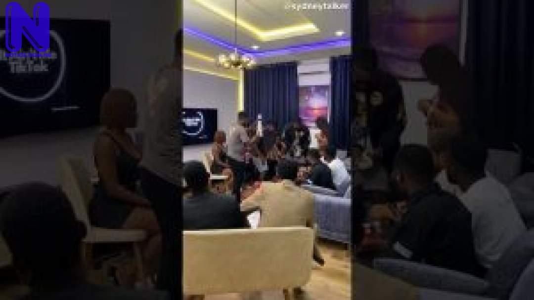 Download Comedy Video: Sydneytalker - Clubbing In Nigeria Be Like SYDNEYTALKER-CLUBBING-IN-NIGERIA-BE-LIKE-300X16910287