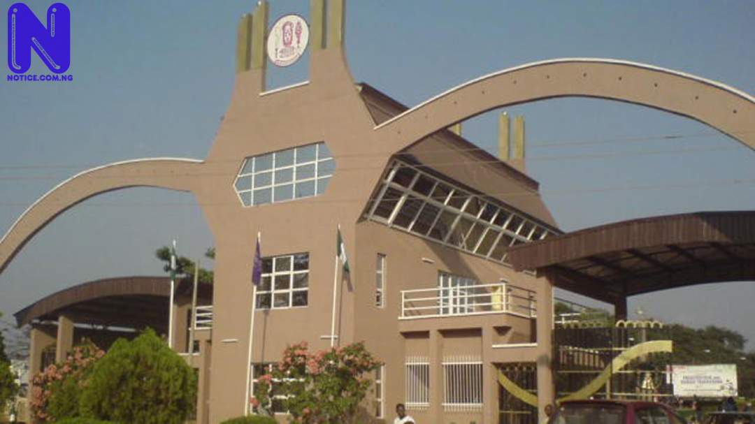UNIBEN gives students few hours to vacate campus - Protest UNIBEN-MAIN-GATE109404